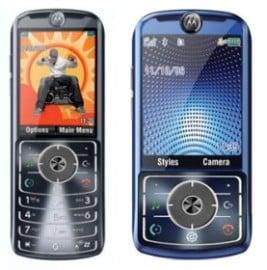 Moto_scpl_sldr_cell_phones_fake