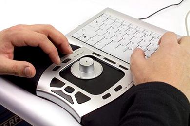 http://www.hi-news.ru/wp-content/uploads/2006/11/11.1.06_2D_2D_2Dglider_2Dmouse.jpg