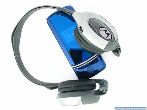 MOTOKRZR K1 с Bluetooth стереогарнитурой