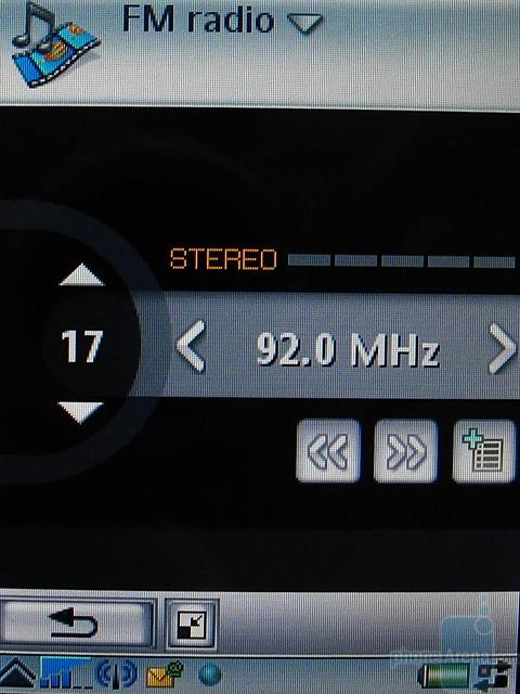 Sony Ericsson P990i - FM радио