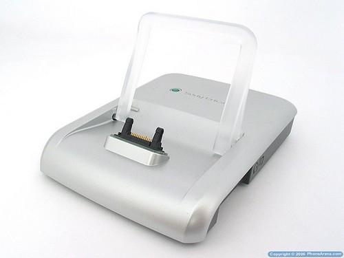 Sony Ericsson P990i - Док-станция