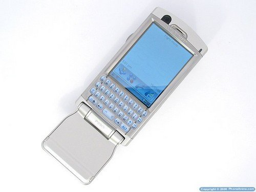 Sony Ericsson P990i - с открытым флипом