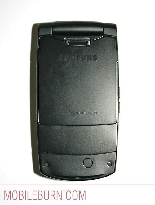 Samsung D830 - Вид тыльной панели