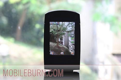Samsung D830 - Экран