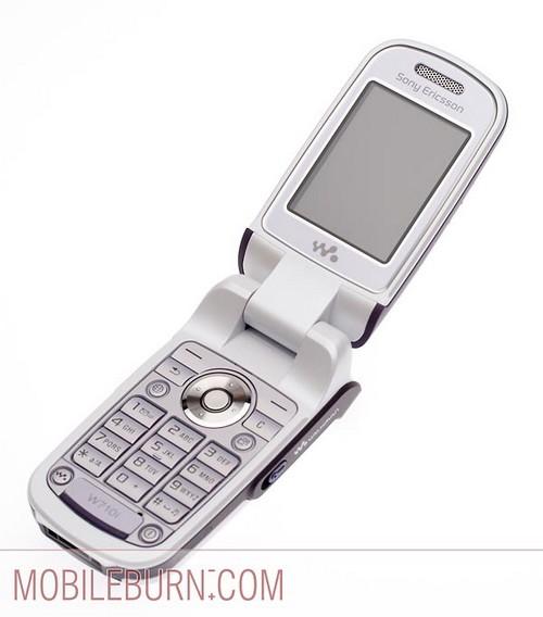 Sony Ericsson w710  - с открытым флипом