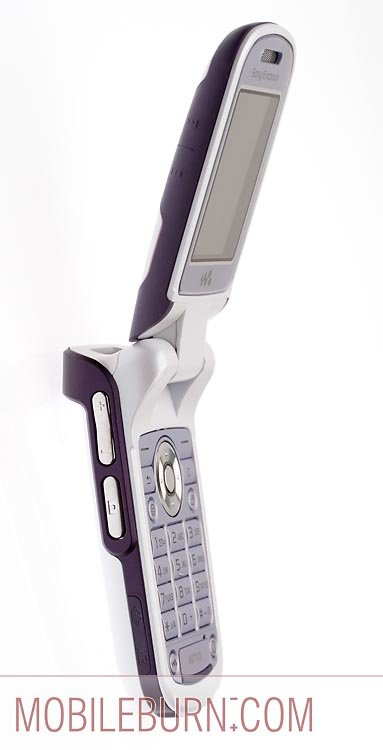 Sony Ericsson w710 - вид слева