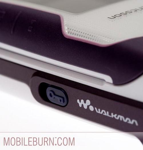 Sony Ericsson w710 - клавиша блокировки