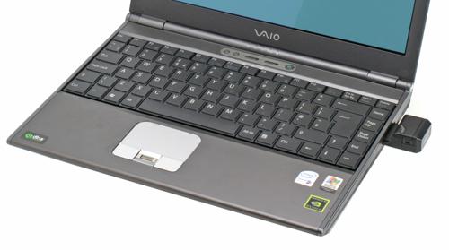 Клавиатура и сенсорная панель