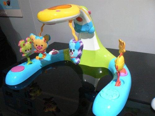 Hasbro и Creative производят игрушки для юных меломанов