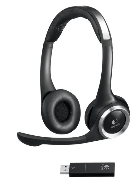 logitech-clearchat-pc-thumb-450x577.jpg