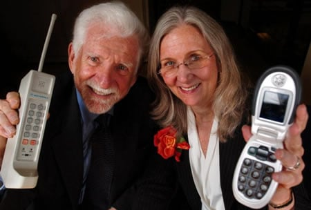 35th_anniversary_cellular_phone.jpg