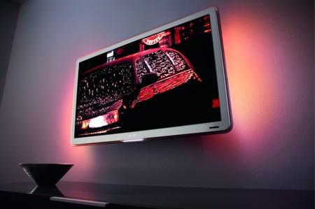 philips_led-backlit_42pfl9803_flattv_2-thumb-450x299