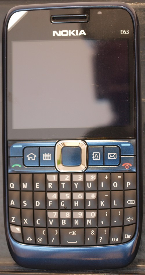 Свежие фотографии Nokia E63