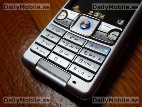 Sony-ericsson-c510-kate-4