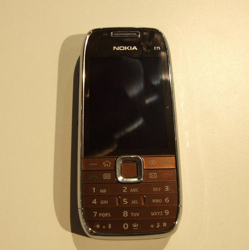 Nokia-e75-1