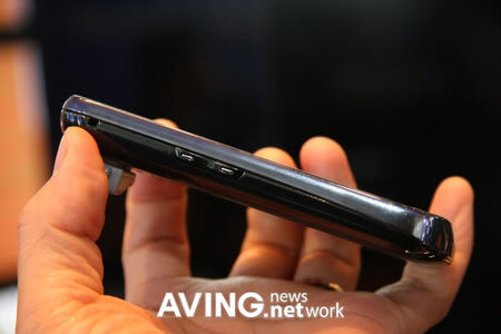 Samsung_Show_OMNIA_2-thumb-450x300