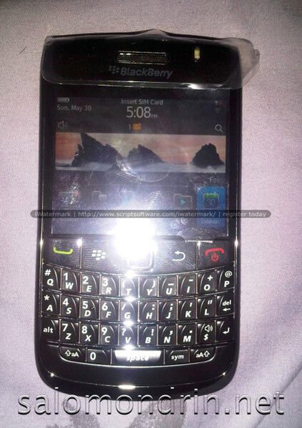 blackberrybold9780-leaklg1