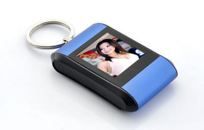 1.5-Inch-Keychain-Digital-Photo-Frame-1