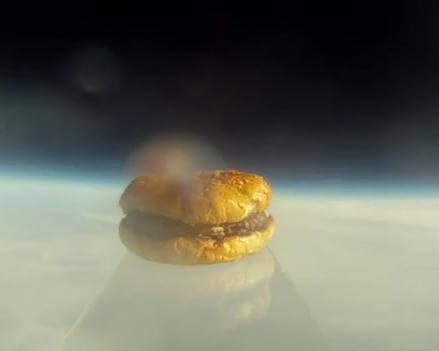 Первый гамбургер в космосе