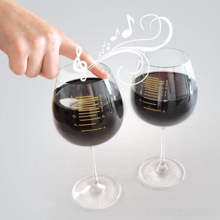 Музыкальный бокал для вина