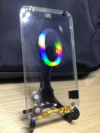 Прозрачный смартфон Polytron
