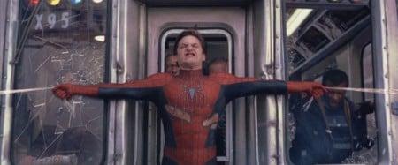 Доказано: «Человек-паук» может остановить поезд