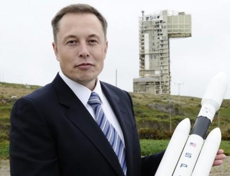 SpaceX работает над созданием многоразовой ракеты