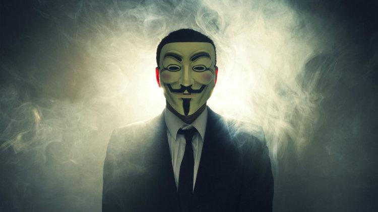 Символом Anonymous является маска революционера Гая Фокса