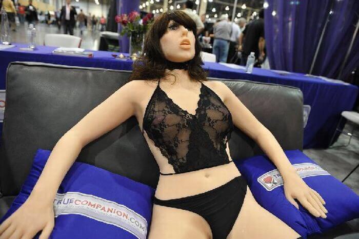 Секс-робот Рокси