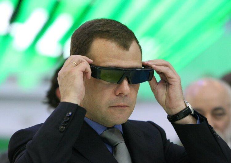 Медведев приветствует развитие технологий