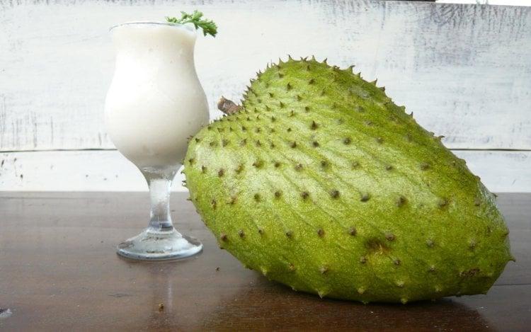 Экзотический фрукт гуанабана