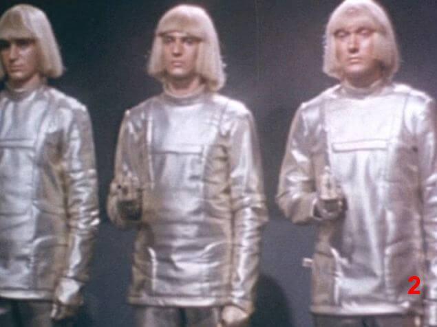 Кстати образ Вертера - это дань уважения отряду андроидов из фильма «Война роботов», снятого в 1978 году в Италии