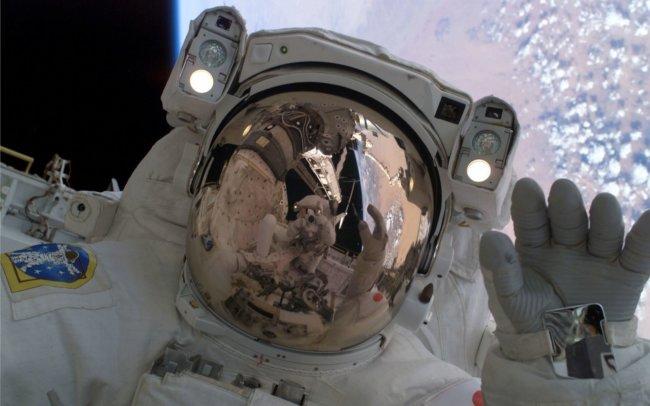 Командир МКС ведет свой блог прямо из космоса