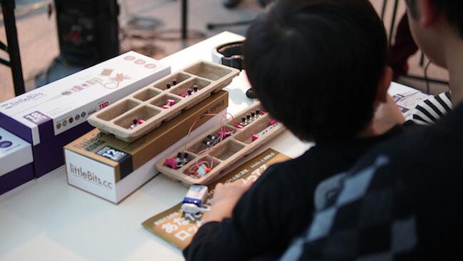 Стандартный базовый набор состоит из 12 электронных модулей