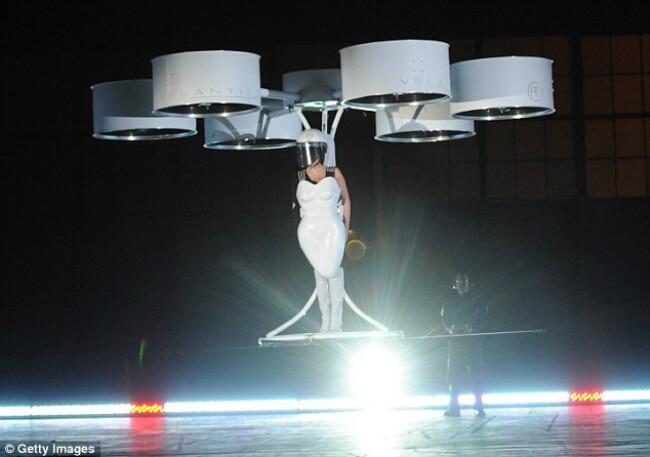Летающее платье
