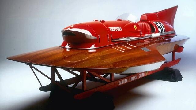 Спорткатер Феррари, установивший мировой скоростной рекорд в 1953 году