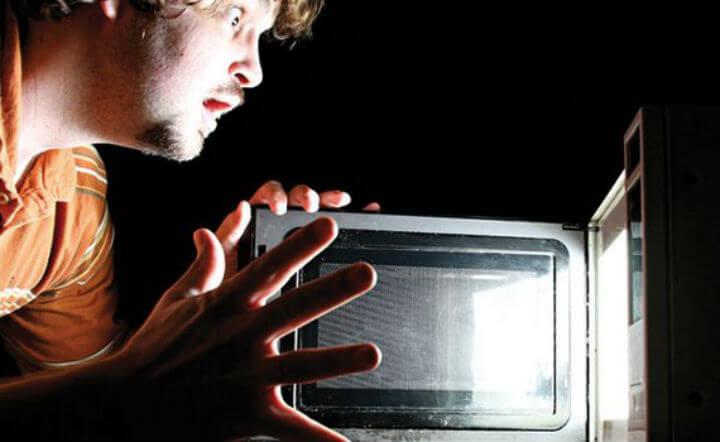 Микроволновая печь незаменима уже более полувека