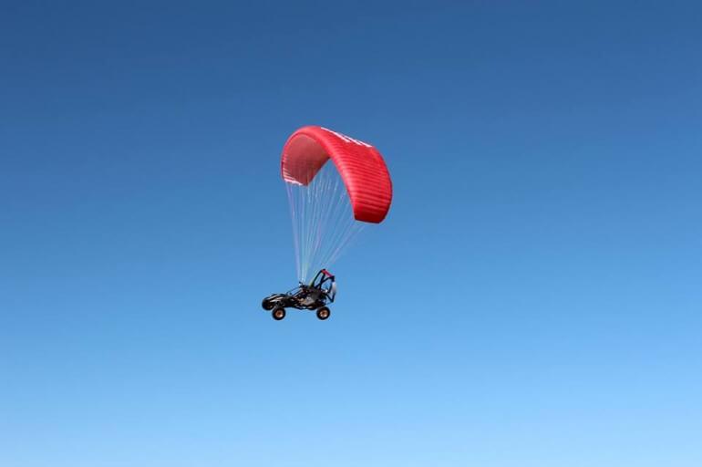 Летающий багги Skyrunner во время полета