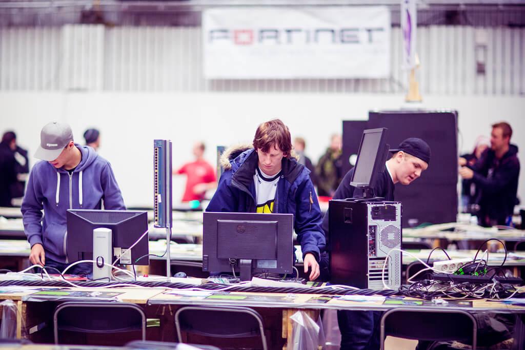фото дня | Dreamhack Winter — крупнейшая LAN-вечеринка в мире ...
