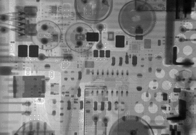 PS4 под лучами рентгена