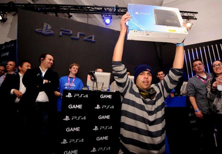 Начало продаж Playstation 4 в Европе