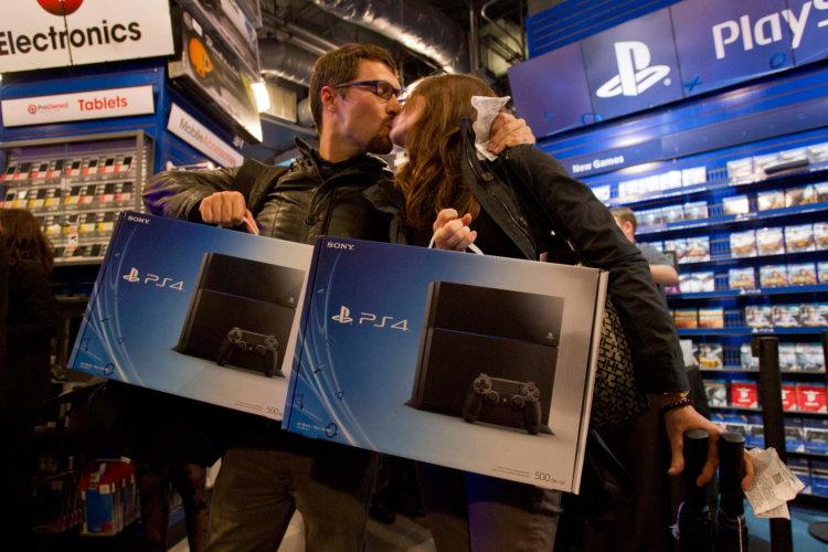 Sony продала 4,2 миллиона консолей PS4