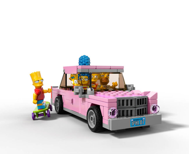 The-Simpsons-House-LEGO-18