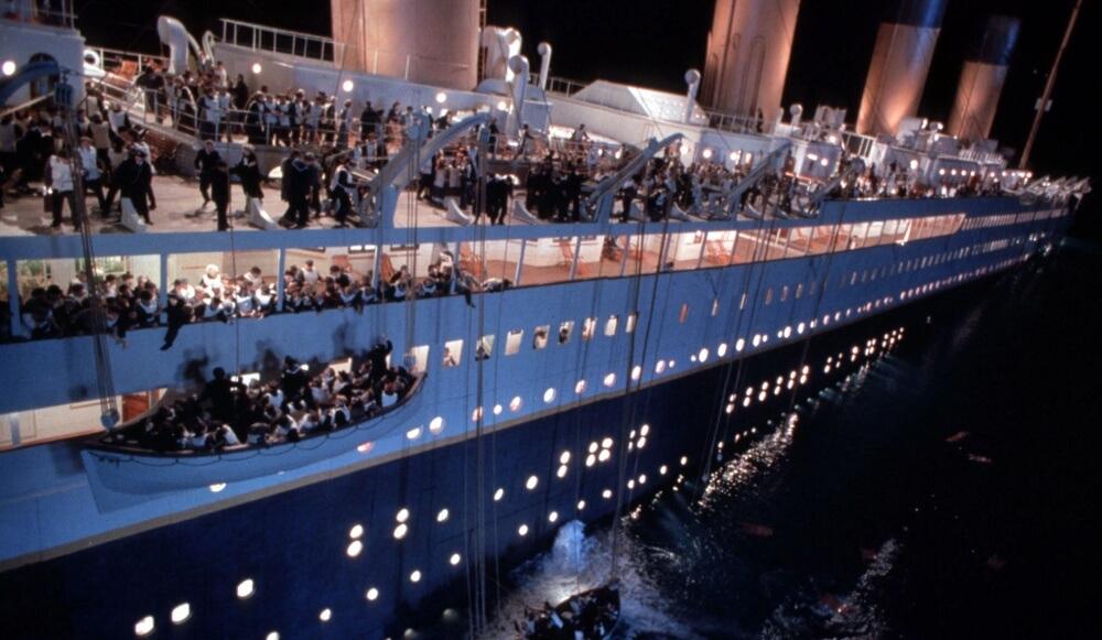 Кадр из фильма Джеймса Кэмерона 1997 года