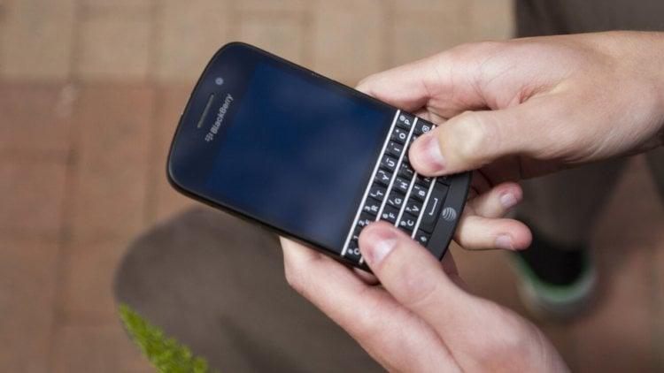 BlackBerry вернется к физическим клавиатурам