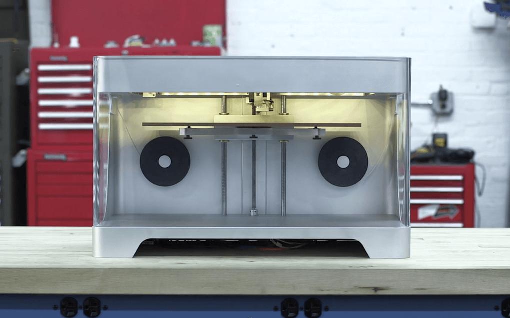 3D принтер печатающий углеволокном