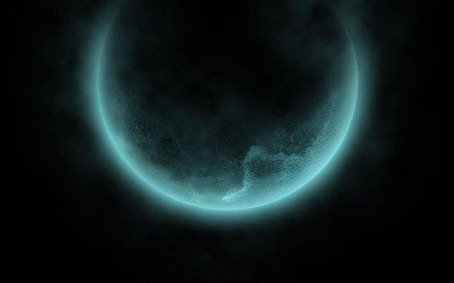 Темная сторона Луны оказалась бирюзовой