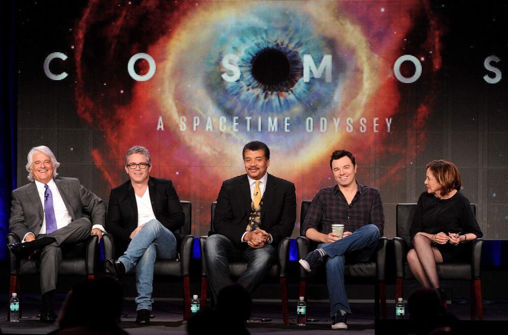Создатели и ведущий телесериала