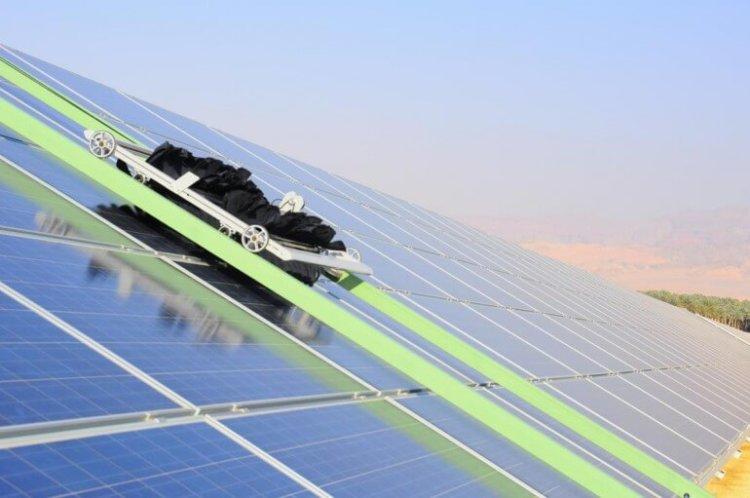Система очистки солнечных панелей