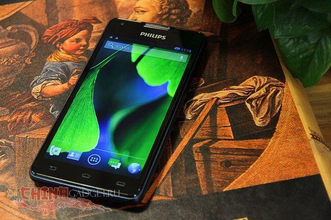 Долгоиграющий смартфон Philips W6618